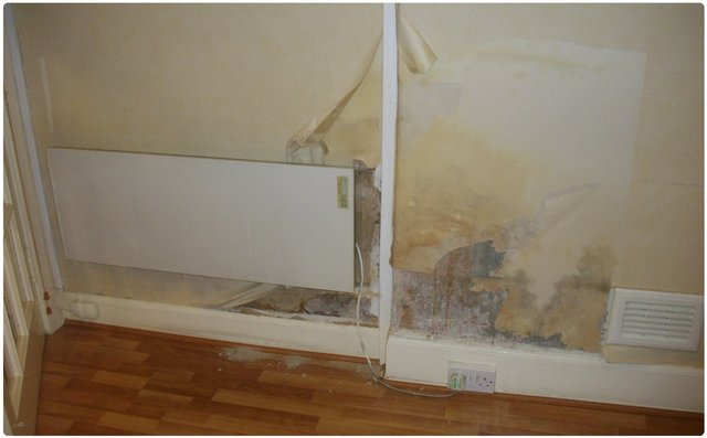Tide marks in the wall show damp as per advice from damp specialist in Glasgow